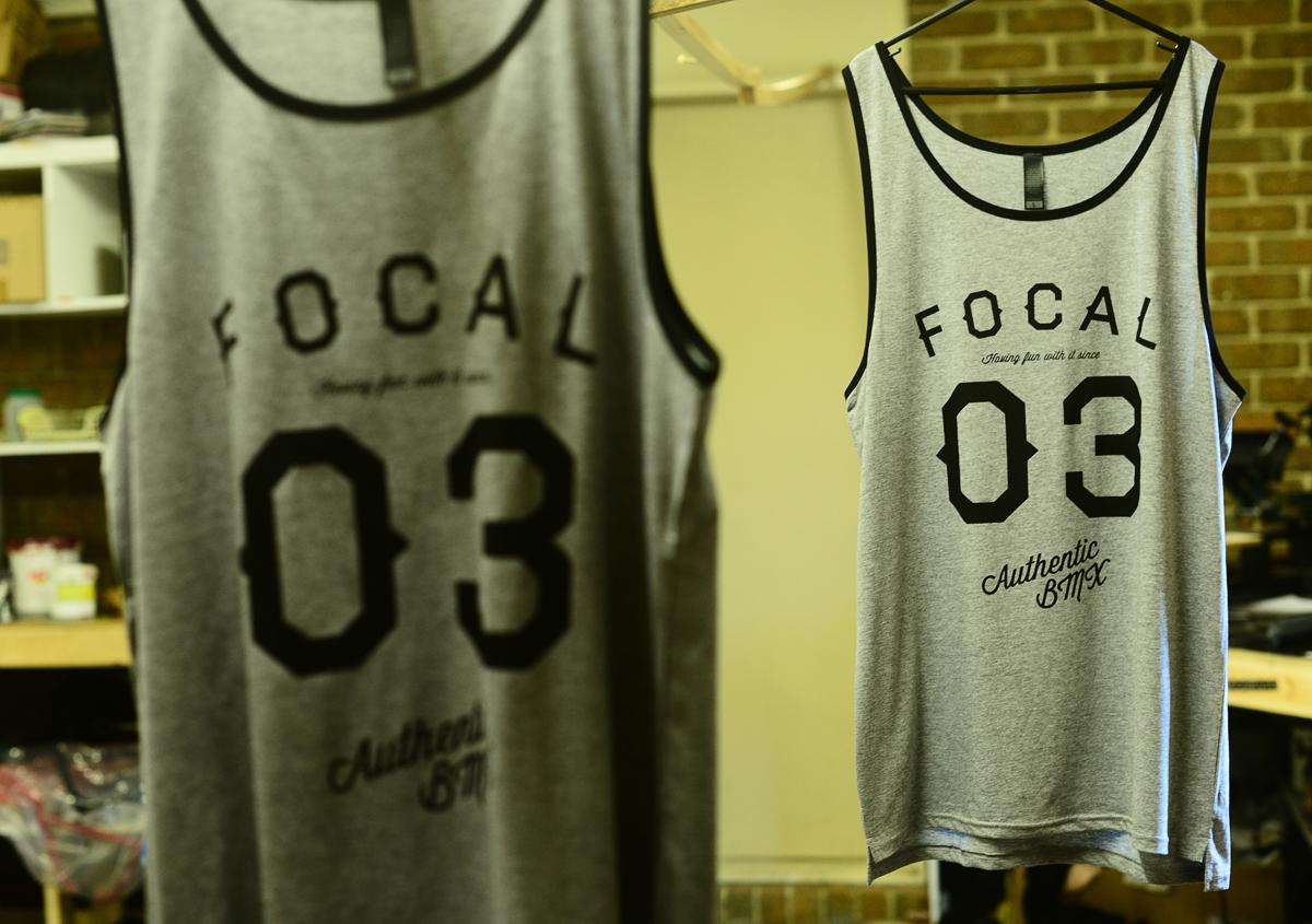 focal03-singlet-grey