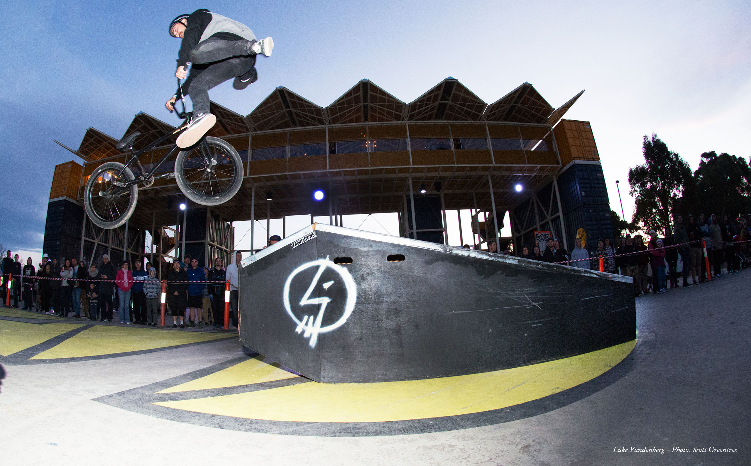 Raw footage from the Weston Creek session during ACT Jam 2015. Such good vibes all weekend...
